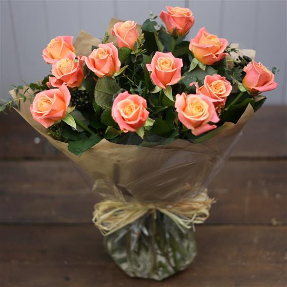 Picture of orange roses bouquet